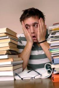 Študent pod strasom